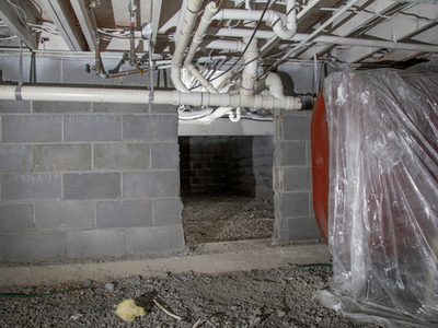 Crawlspace under construction